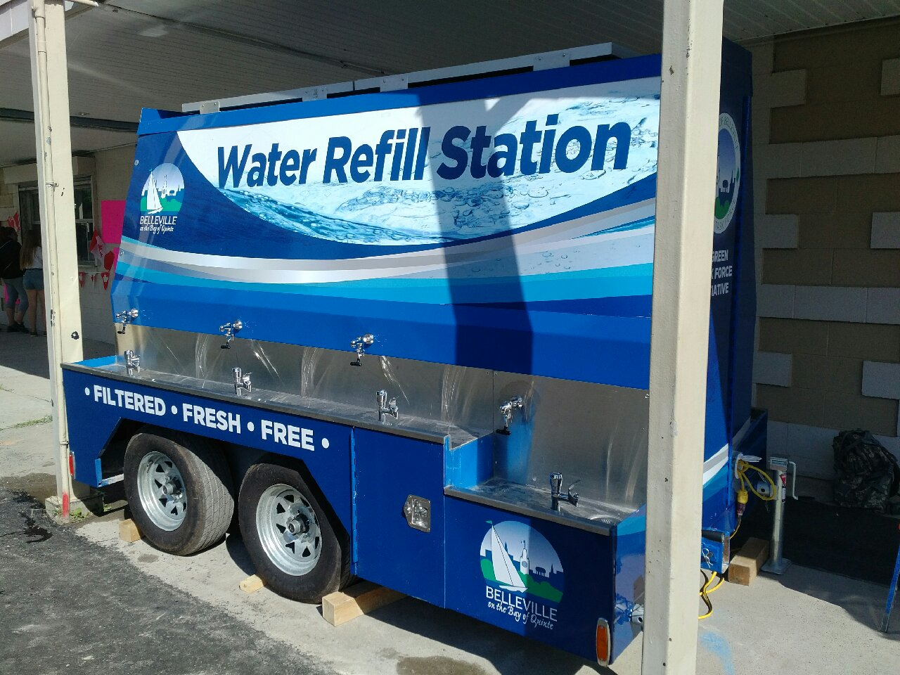 Mobile bulk drinking water station for events